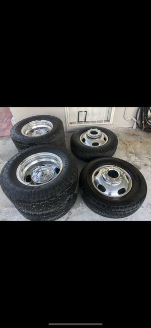 Ford F-350 Dually wheels for Sale in Miami, FL