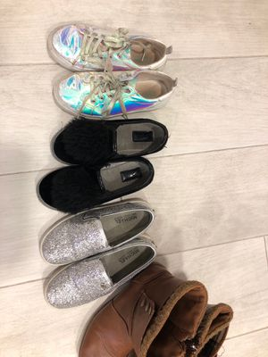Size 1-2 girls shoes for Sale in Fort Lauderdale, FL