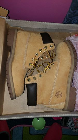 Timberlands Size 5 Like New for Sale in Herndon, VA