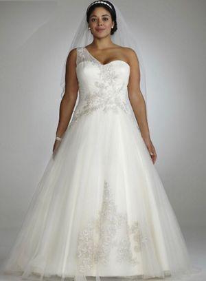 Oleg Cassini One Shoulder Tulle Wedding Dress for Sale in Hamilton, OH