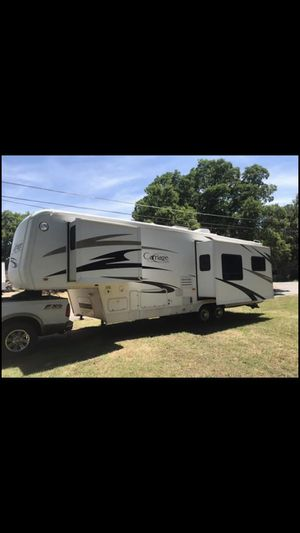 35ft RV 3 Sliders for Sale in Granbury, TX