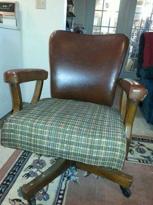 Vintage Desk Chair for Sale in Zolfo Springs, FL
