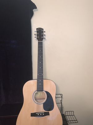 Guitar for Sale in Maple Heights, OH