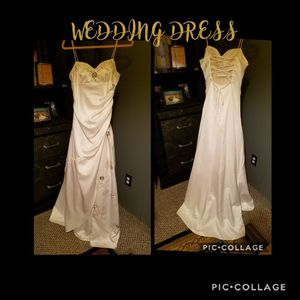 Silk ivory wedding dress for Sale in Erie, PA