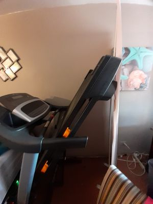 NordicTrack T6.7S Treadmill for Sale in Brooklyn, NY