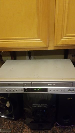 Toshiba VHS & DVD player works excellent for Sale in Hesperia, CA
