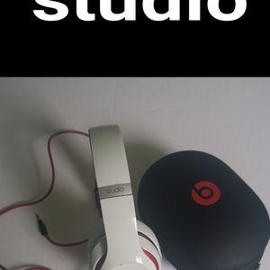 beats studio headphones for Sale in National City, CA