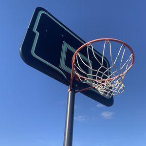 Full Size Basket Ball Hoop for Sale in Elk Grove, CA