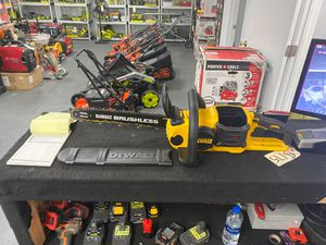 "DEWALT 60V MAX BRUSHLESS 16"" CHAINSAW (tool only) for Sale in Corona, CA"