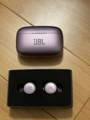 JBL LIVE 300TWS - True Wireless In-Ear Bluetooth Headphones with Microphone for Sale in Philadelphia, PA