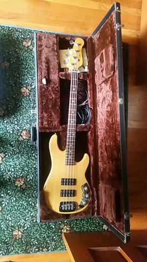 1983 vintage G & L L2000 electric bass guitar for Sale in Roanoke, VA