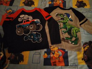 Boys winter clothes sz 6-8 for Sale in Peoria, AZ