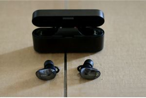 Like New! Sony - WF 1000X True Wireless In-Ear Noise Cancelling Headphones - Black for Sale in Queens, NY