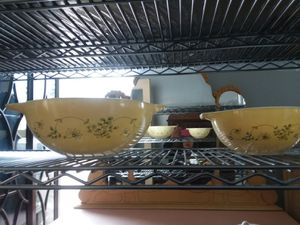 2 Pyrex Cinderella bowls Shanendoah for Sale in Royal Oak, MI