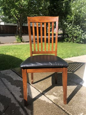 Free dining chairs for Sale in Battle Ground, WA