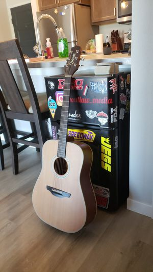 Takemine G series acoustic guitar for Sale in Sioux Falls, SD