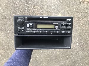 Honda stereo with CD player for Sale in Mill Creek, WA