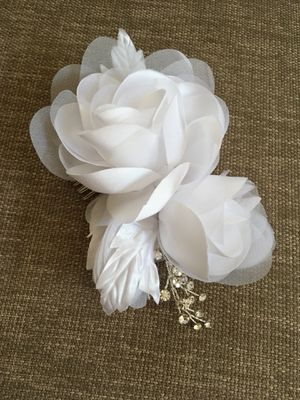 Wedding hairpiece (white) for Sale in Poway, CA