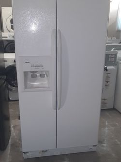 Refrigerator Kenmore Good Condition 3 Months warranty Delivery And Install for Sale in San Leandro,  CA