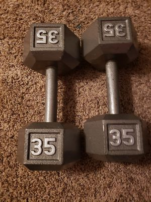 Dumbbells weights 2x35 $60 for Sale in Renton, WA