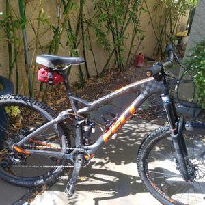 Felt carbon decree mountain bike for Sale in Tempe, AZ