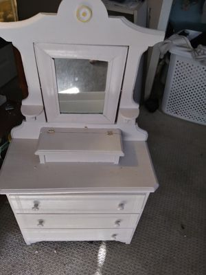 Little Ladies Dresser for Sale in Philadelphia, PA