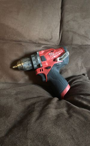 12 volts Milwaukee hummer drill for Sale in Costa Mesa, CA