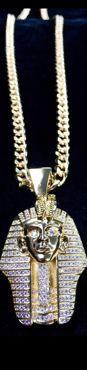⭐️ HAPPY VALENTINES DAY PERFECT GIFT!! ⭐️ PHARAOH FULL DIAMONDS CZ 18K GOLD CHAIN MADE IN ITALY for Sale in Miami Beach, FL