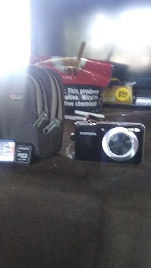 Samsung 12.2 mega pixels, digital camera. New $20 case. for Sale in Yakima, WA