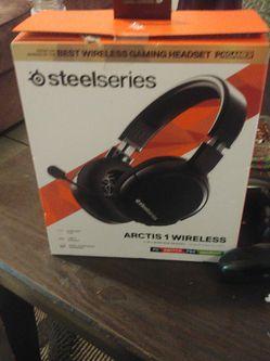Steel Series Wireless Gaming Headphones for Sale in Atlanta,  GA