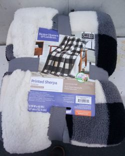 SHERPA BLANKETS ...FULL SIZE INDIVIDUAL BLANKET for Sale in Perris,  CA