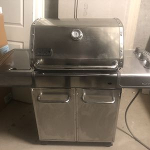 Weber Genesis Bbq Grill for Sale in Dallas, TX