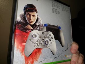 Brand new never used or opened Gears 5 xbox one Controller Kait edition for Sale in St. Petersburg, FL