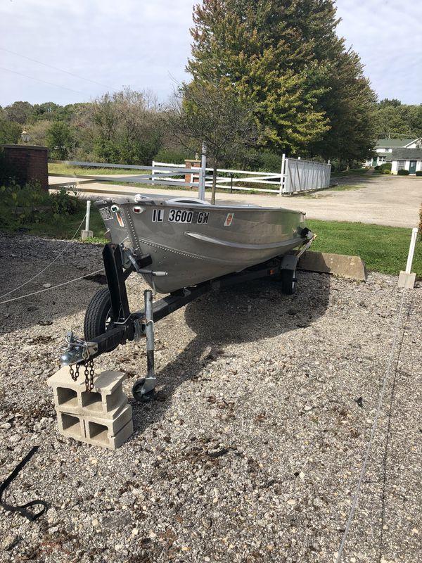12 ft V Hull Aluminum Fishing Boat with Trailer
