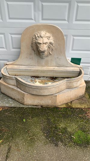 Lion Fountain for Sale in Virginia Beach, VA