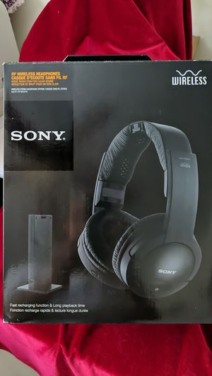 Sony MDR-RF985RK Over the Ear Headphones - Black for Sale in Escondido, CA