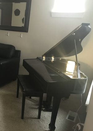 Mini Grand Electronic Baby Grand for Sale in Puyallup, WA