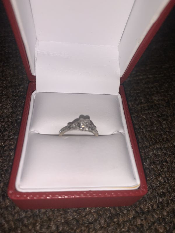 Diomond promise ring