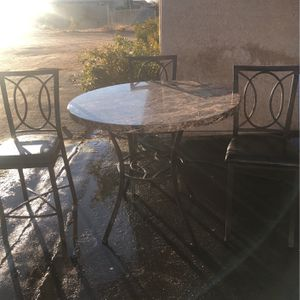 Bar Height Faux Marble 4 Seater for Sale in Apple Valley, CA