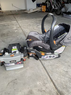 Chico KeyFit 30 infant car seat w/ 2 bases for Sale in Helena, AL