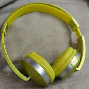 Now Only $15! Sharper Image Foldable Wireless Headphones for Sale in Aberdeen, WA