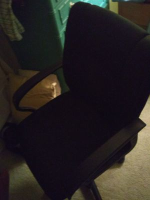 Chair and desk only for Sale in Orlando, FL
