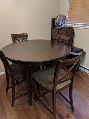 Round Bar Height Table and 4 Chairs for Sale in Annapolis, MD