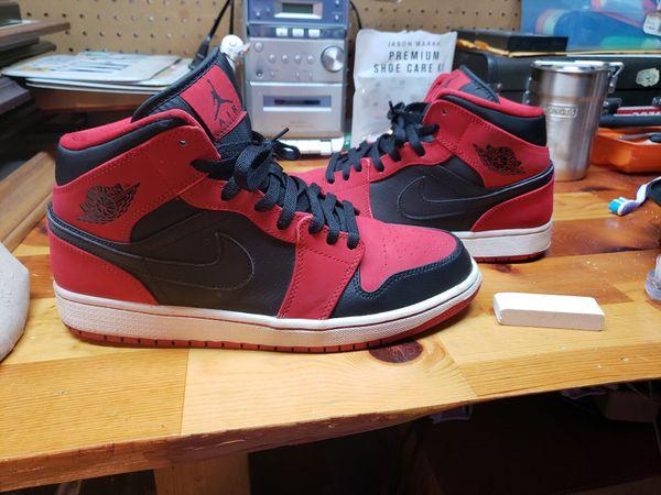 Jordan 1 mid BRED size 11