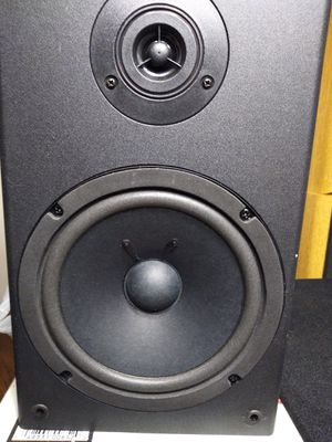 KLH bookshelf speakers brand new for Sale in Neenah, WI