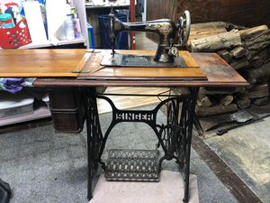 1895 Singer Treadle Sewing Machine for Sale in Purcellville, VA