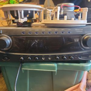 Stereo Reciever And Speakers for Sale in San Diego, CA