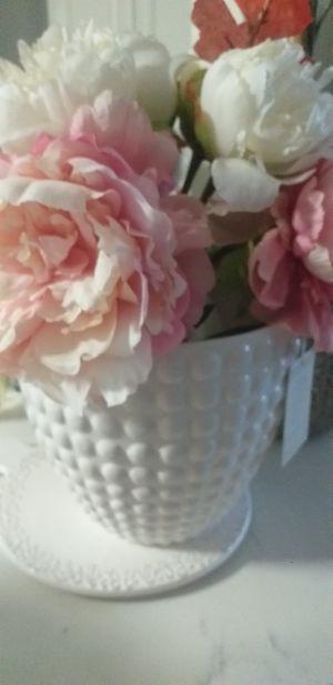 Vase flower beautiful for Sale in Homestead, FL