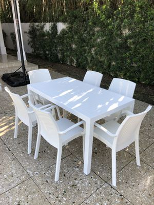 Outdoor-Italian- Table and chairs for Sale in Hialeah, FL