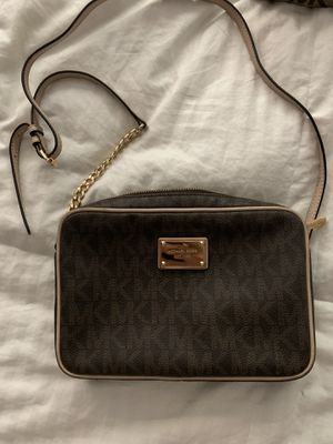 Michael kors crossbody for Sale in Fort Lauderdale, FL